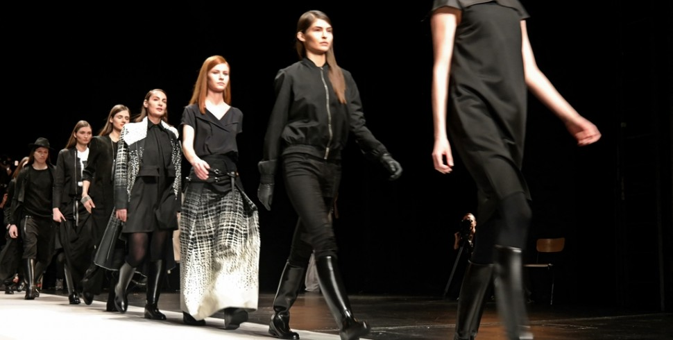 BERLIN FASHION WEEK: ESTHER PERBANDT GROTESQUE