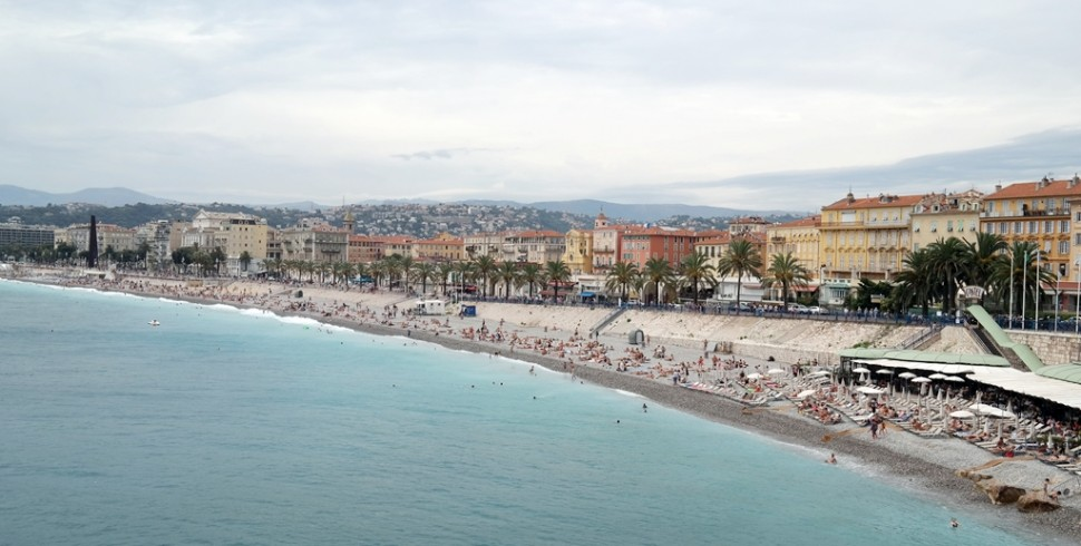 MOMENTS IN NIZZA: PROMENADE DES ANGLAIS